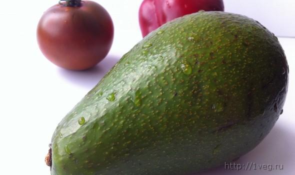 Салат с помидором и авокадо «Красное и Зеленое» - рецепты, низкокалорийно