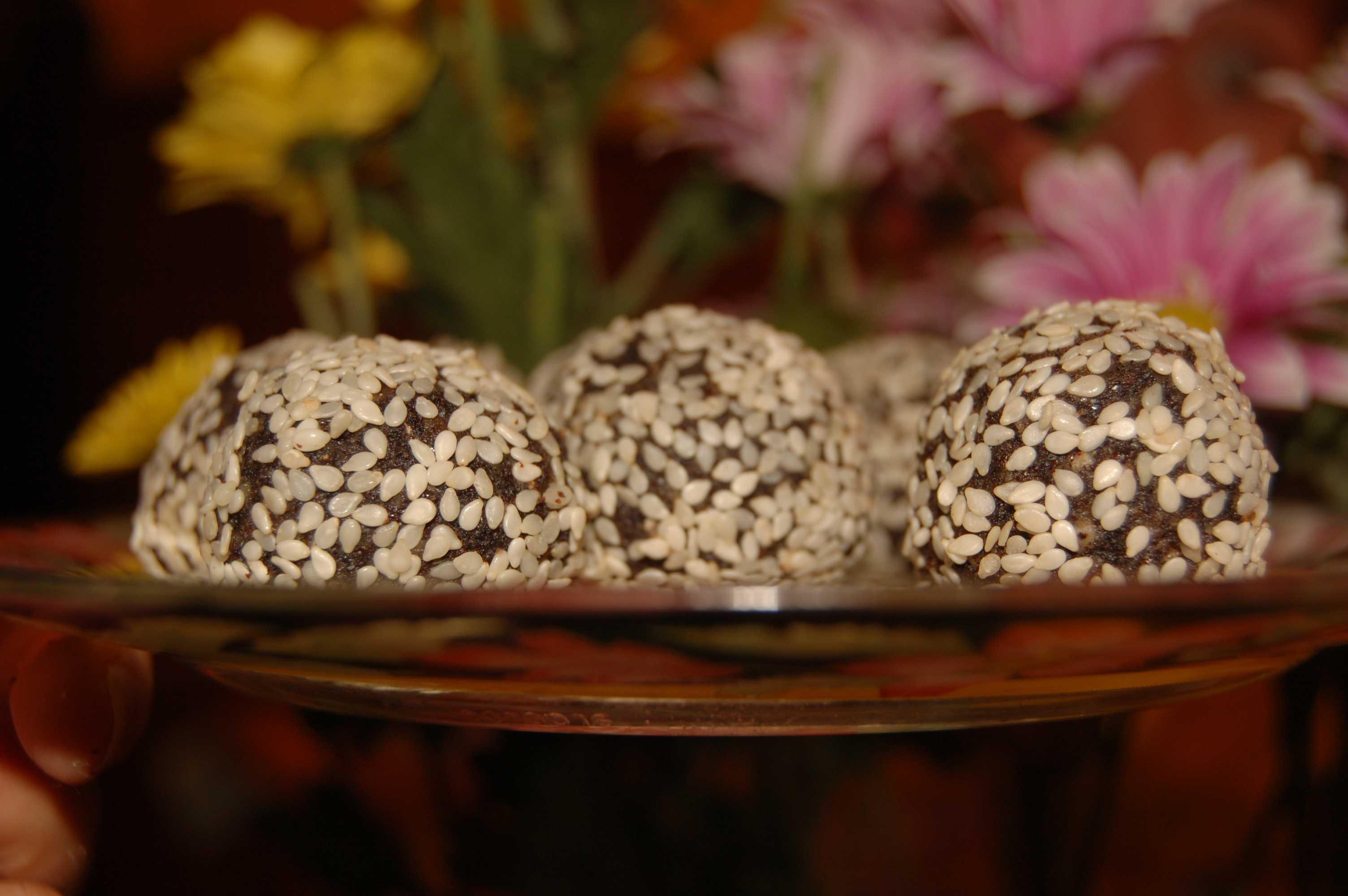Фото сыроедные конфеты (рецепт)