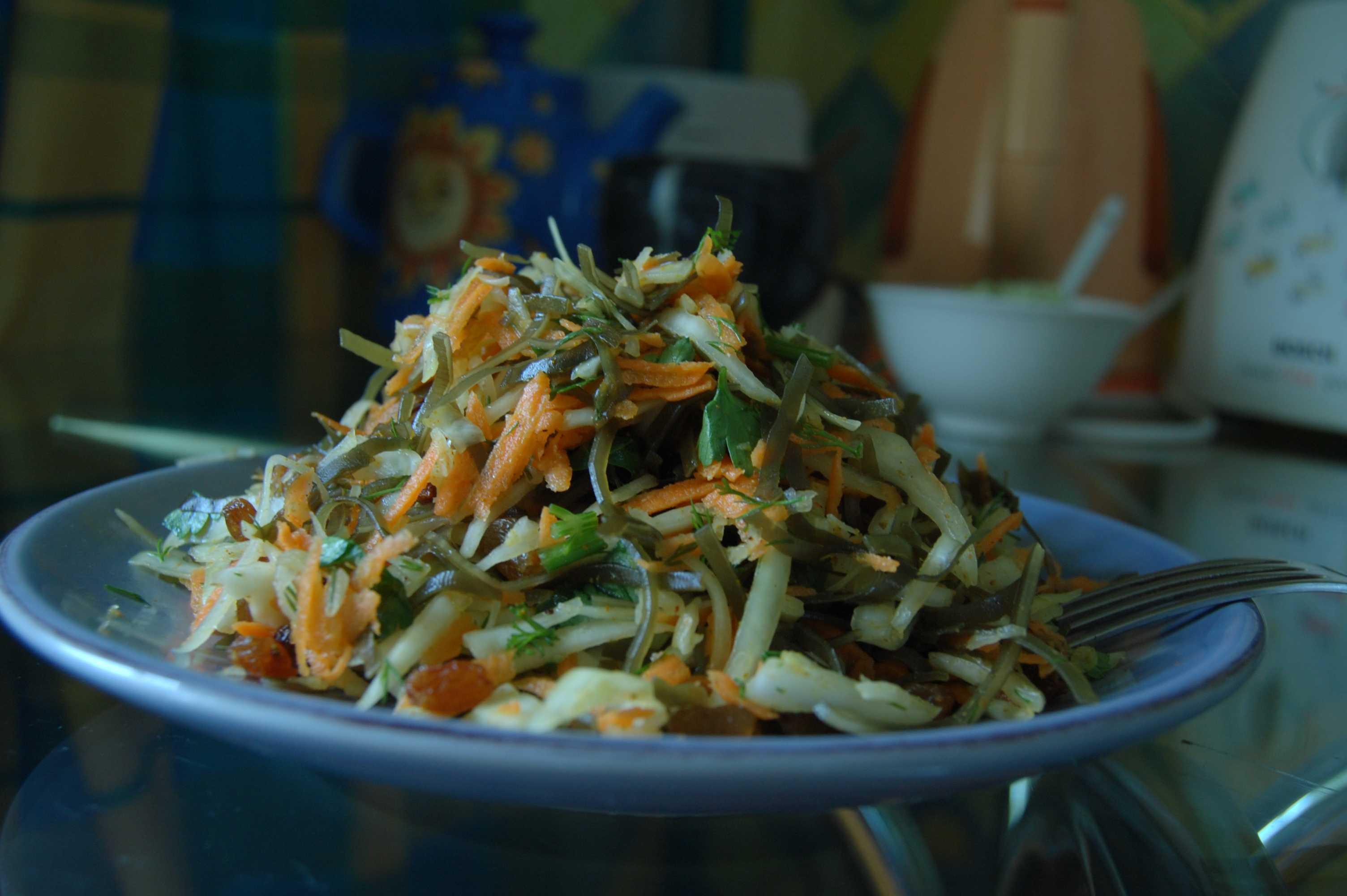 Фото салат из морской капусты осенний (рецепт)