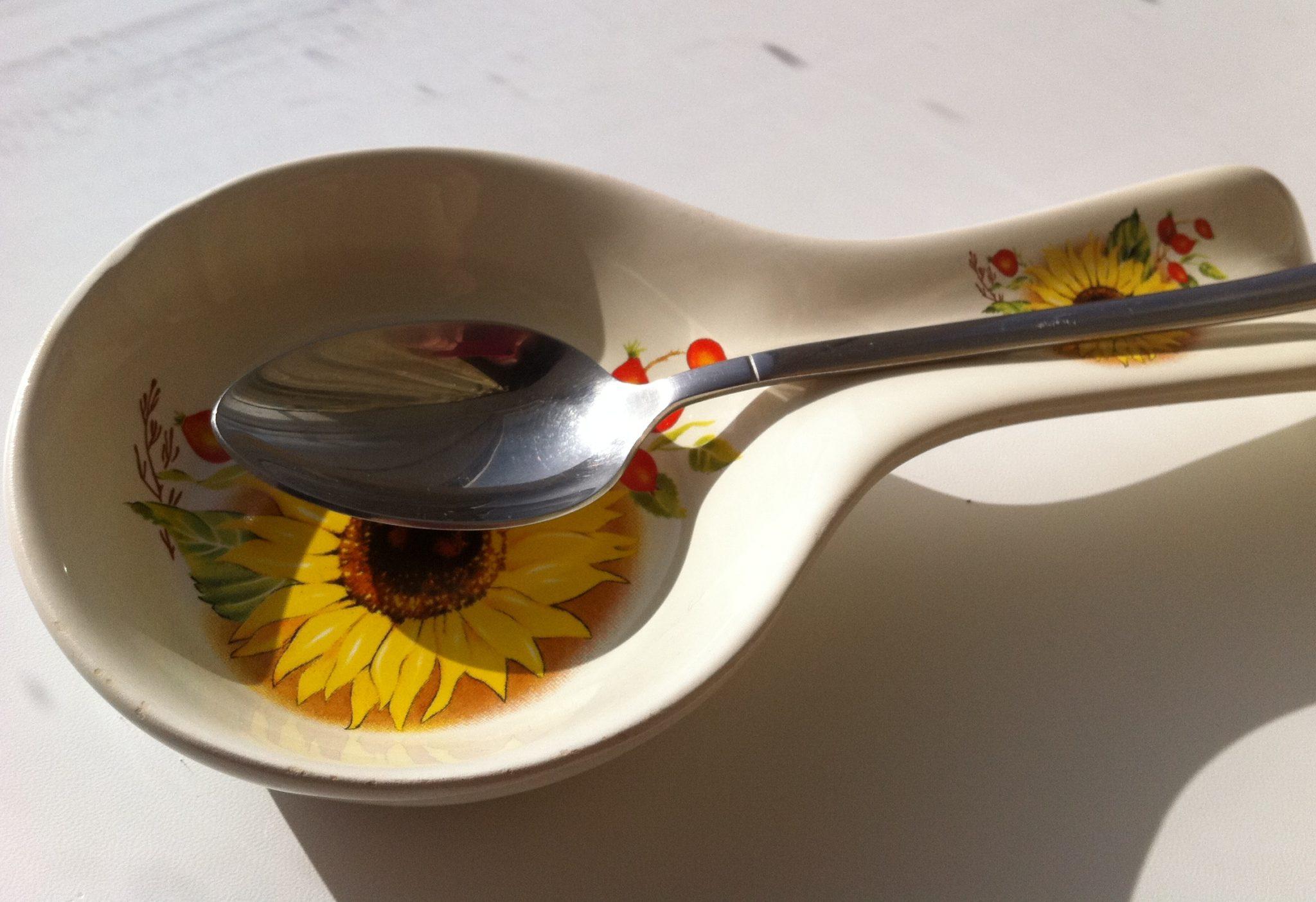 Керамическая подставка под ложки при готовке