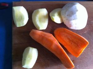 Морковь, сельдерей и яблоко