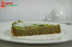 Сыроедный торт с лимонно-мятным кремом