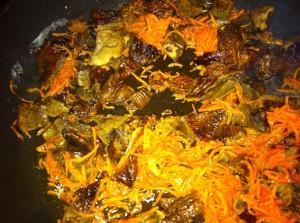 зажарка из моркови и грибов