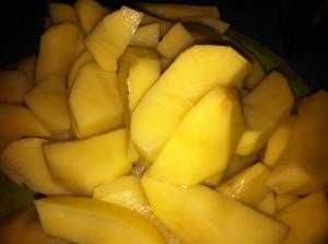крупно нарезанная картошка