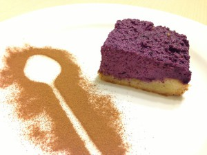 Черничный пирог с творогом готов
