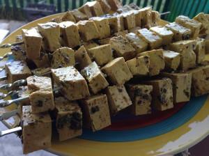 Тофу на шампурах в виде шашлыка