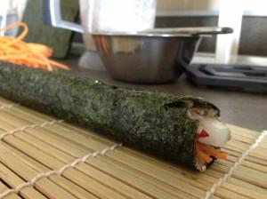 Живые суши-роллы из семечек
